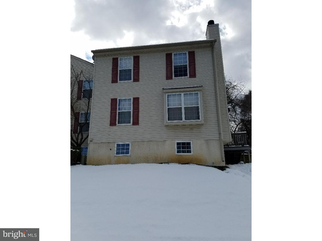 Casa unifamiliar adosada (Townhouse) por un Alquiler en 26 DUTTONVIEW Drive Aston, Pennsylvania 19014 Estados Unidos