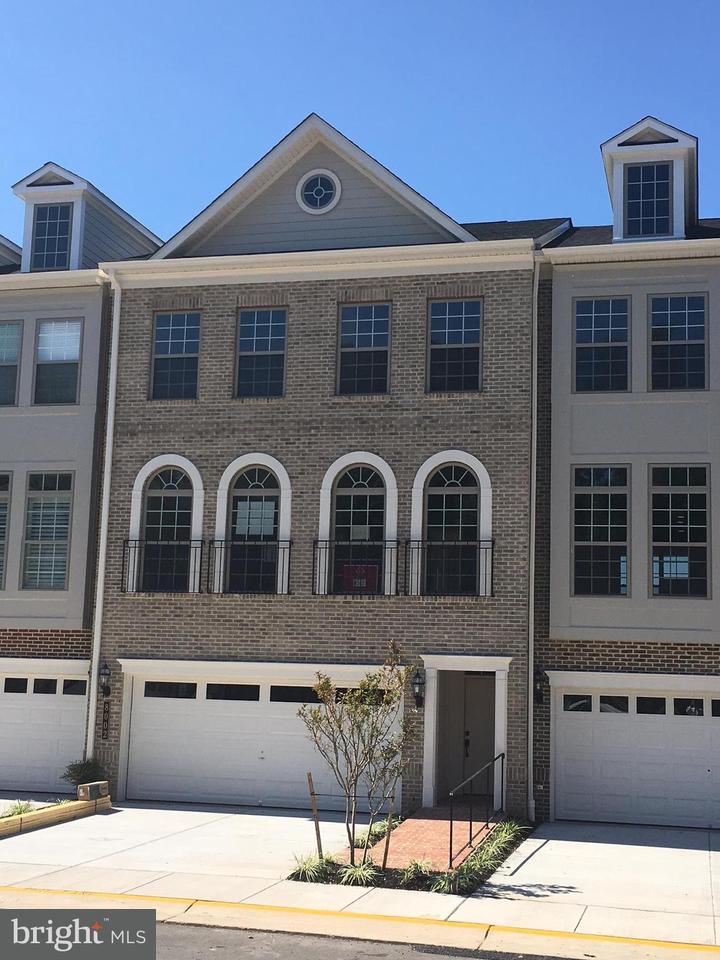 タウンハウス のために 売買 アット 7970 Turtle Creek Circle 7970 Turtle Creek Circle Gainesville, バージニア 20155 アメリカ合衆国