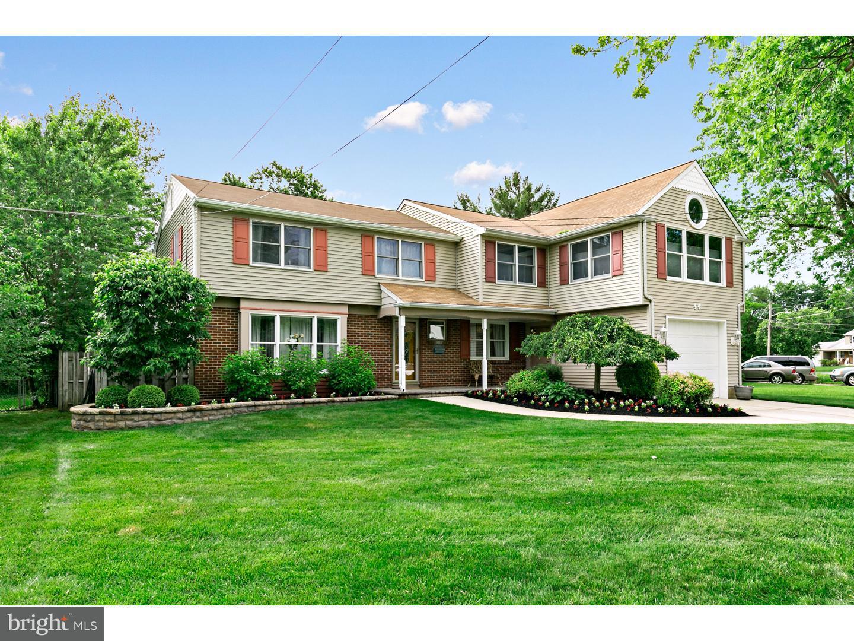 Maison unifamiliale pour l Vente à 44 CALDWELL Avenue Marlton, New Jersey 08053 États-Unis