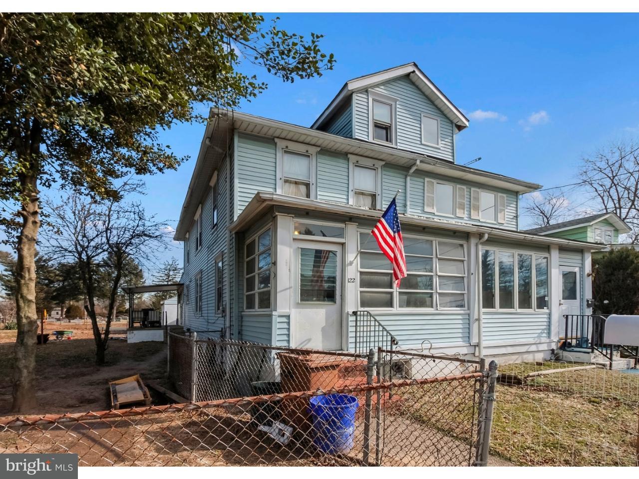 Photo of home for sale at 122 Dickinson Avenue, Hamilton NJ