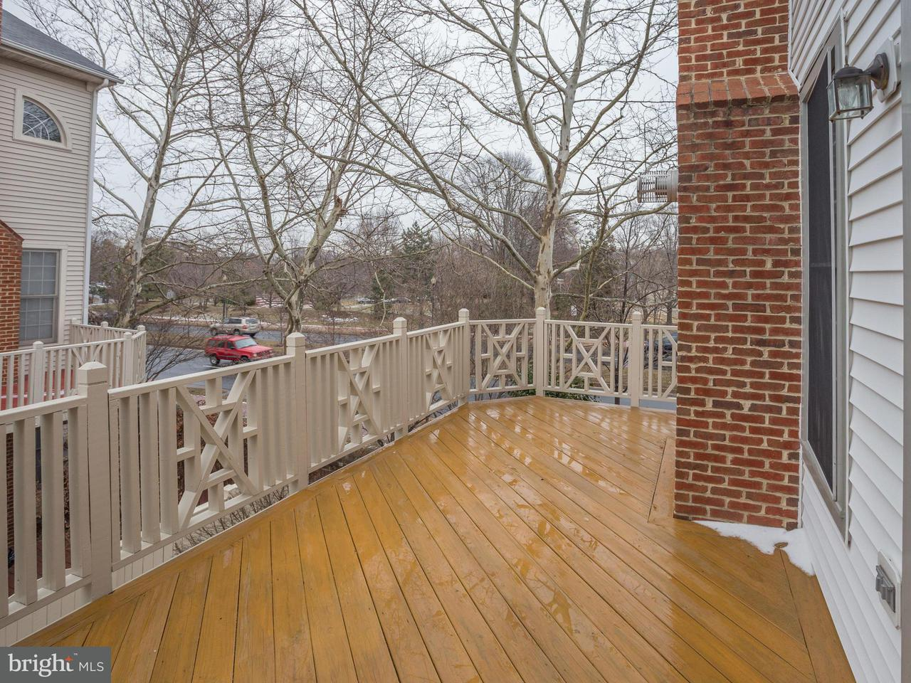 Additional photo for property listing at 10500 Captain John Smith Court 10500 Captain John Smith Court Fairfax, 弗吉尼亚州 22030 美国