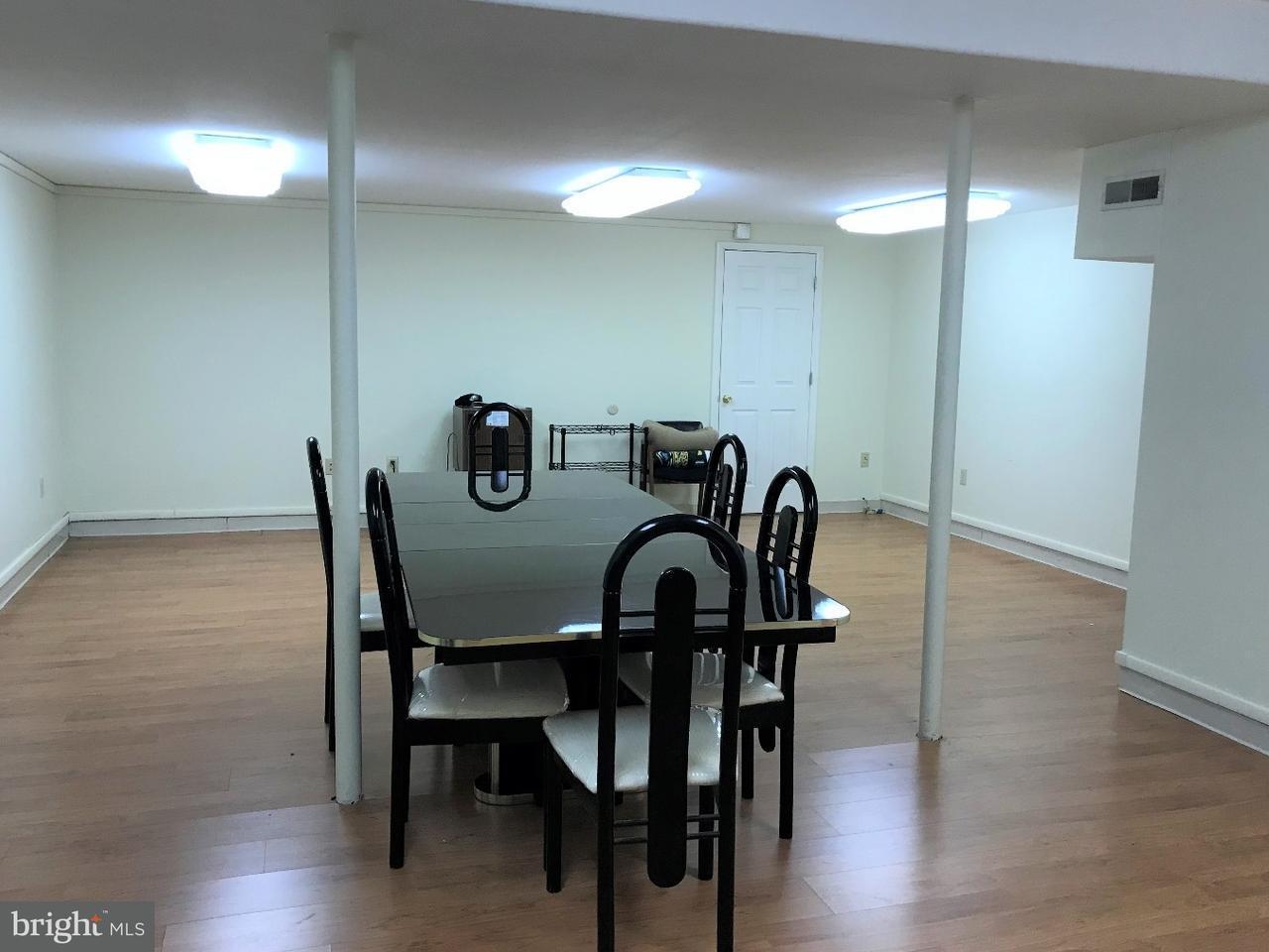 Частный односемейный дом для того Аренда на 1326 CENTRAL AVE #LOWER Glendora, Нью-Джерси 08029 Соединенные Штаты