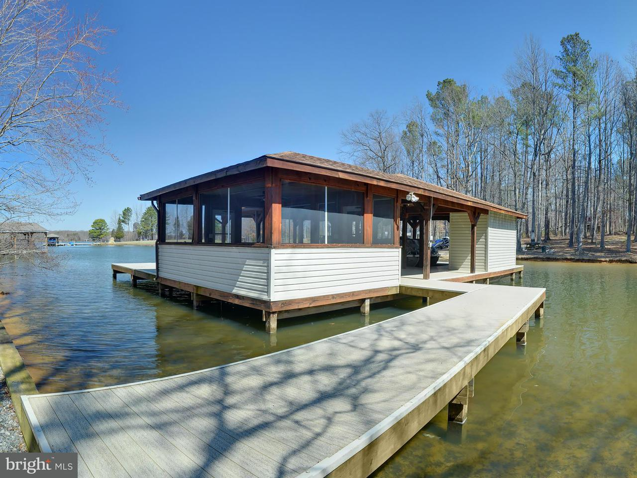 Additional photo for property listing at Point Dr  Bumpass, Virginia 23024 United States