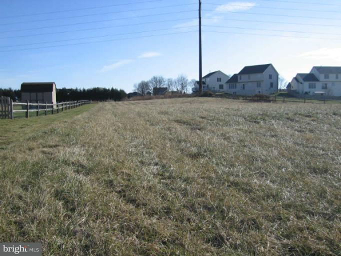 Additional photo for property listing at 13609 Pulaski Dr  Hagerstown, Maryland 21742 United States