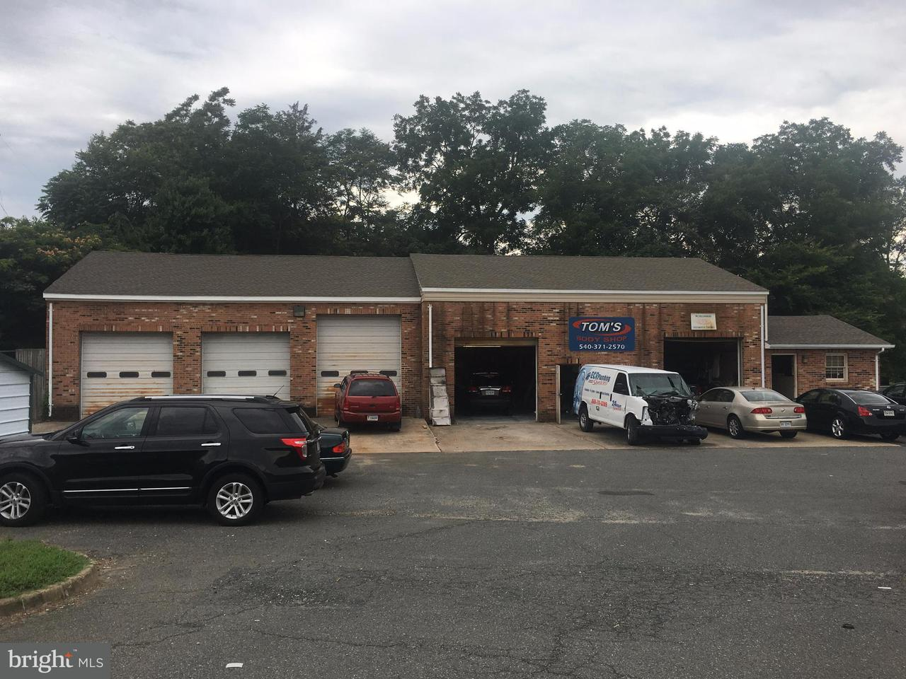 Commercial for Sale at 174 Kings Hwy 174 Kings Hwy Fredericksburg, Virginia 22405 United States