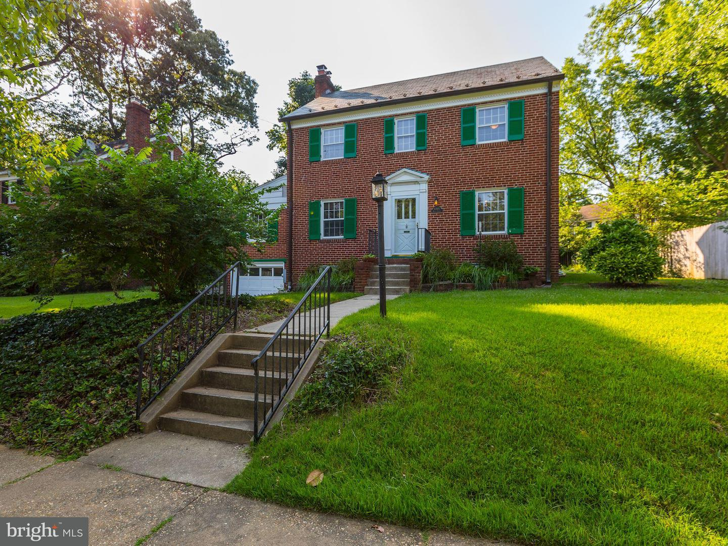 Single Family for Sale at 6505 Queens Chapel Rd University Park, Maryland 20782 United States