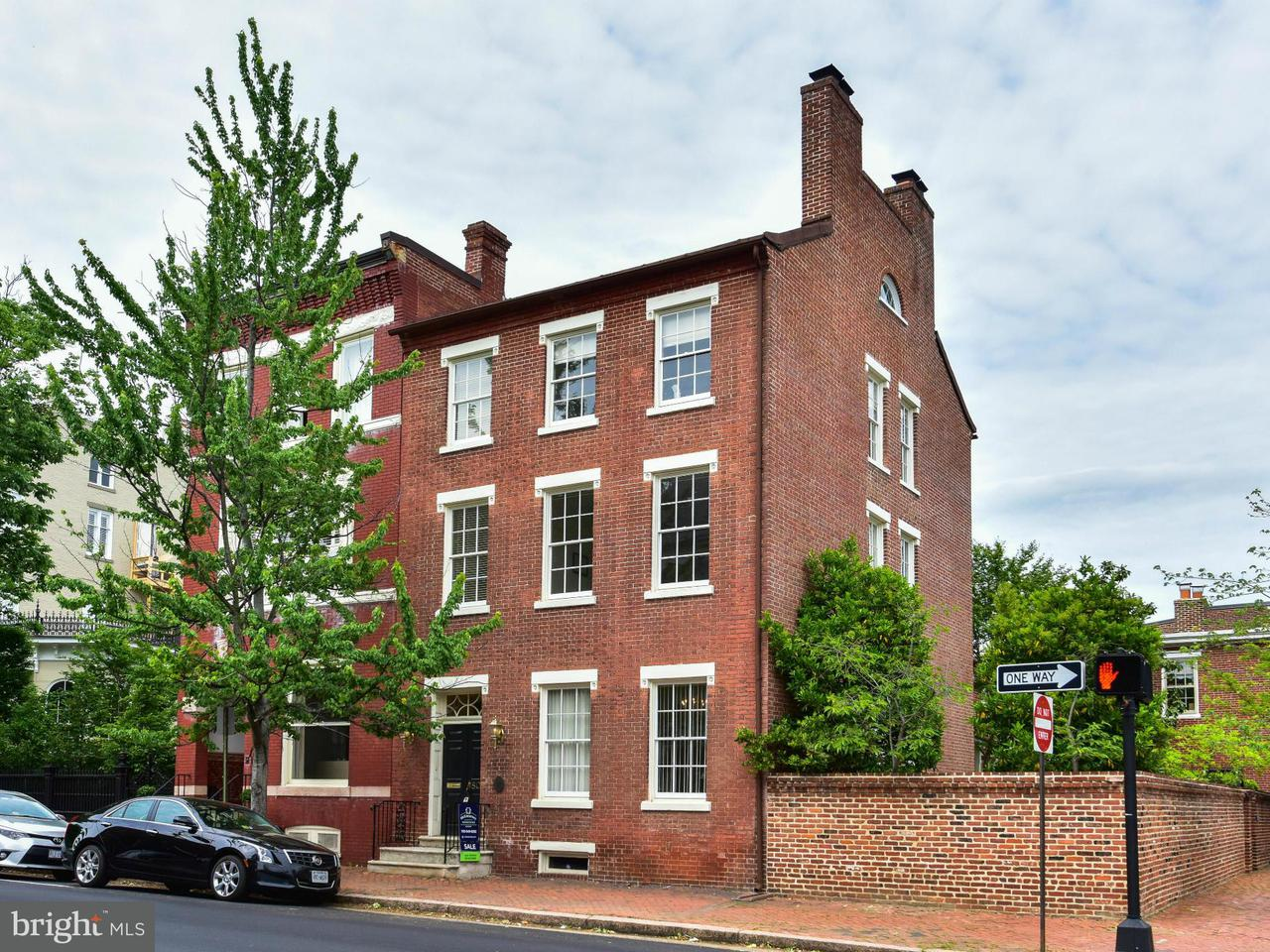 Casa unifamiliar adosada (Townhouse) por un Venta en 803 Prince Street 803 Prince Street Alexandria, Virginia 22314 Estados Unidos