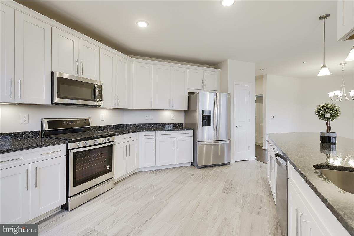 Additional photo for property listing at 3985 Norton Pl #304 3985 Norton Pl #304 Fairfax, バージニア 22030 アメリカ合衆国