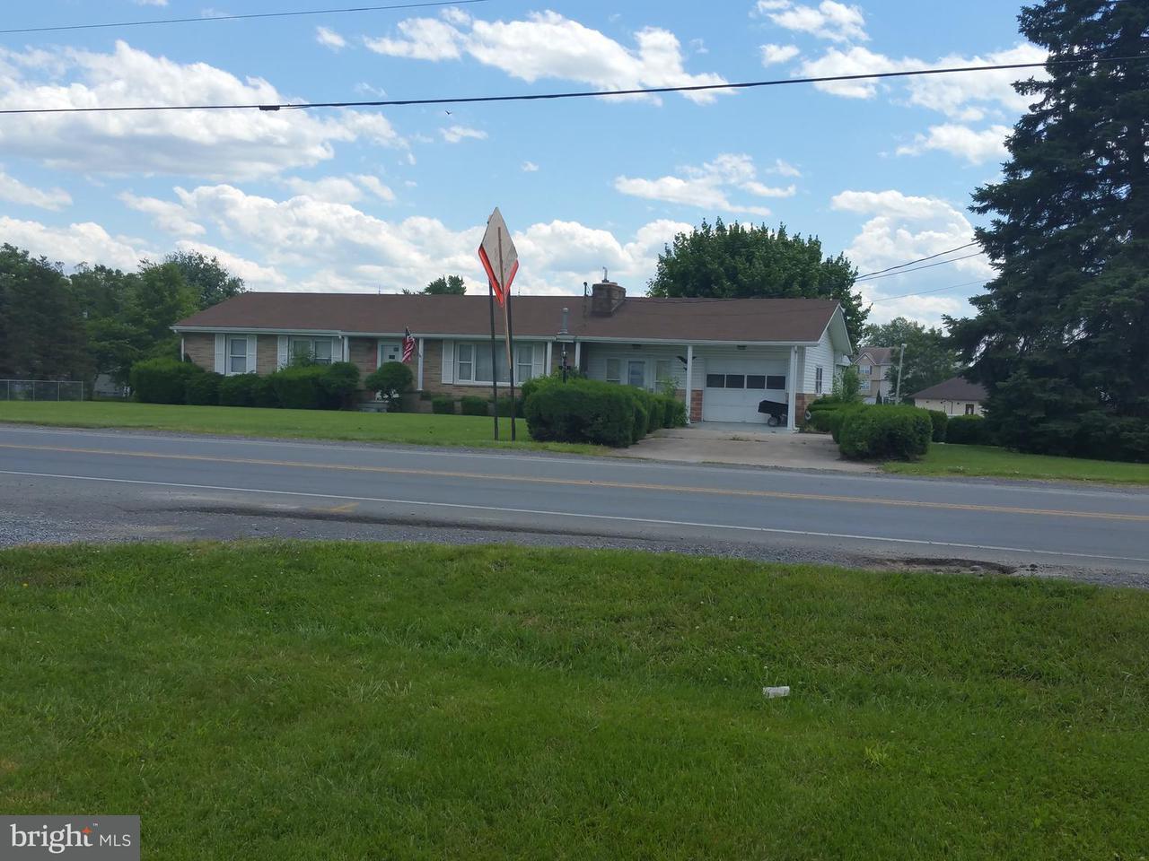 komerziell für Verkauf beim 21 Pedal Car Drive 21 Pedal Car Drive Inwood, West Virginia 25428 Vereinigte Staaten