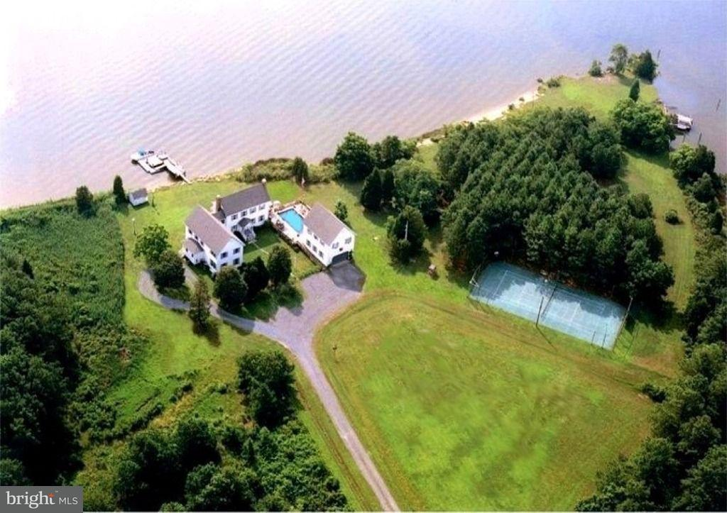 Single Family for Sale at 5009 Cherry Point Rd Woolford, Maryland 21677 United States