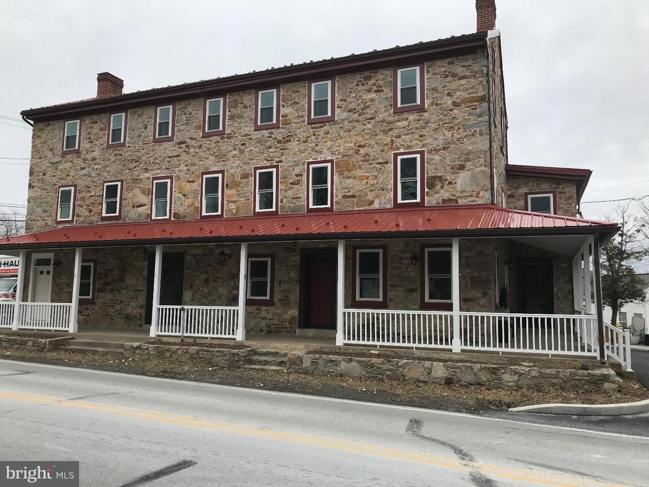 Частный односемейный дом для того Аренда на 5 S VILLAGE AVE ##5 Exton, Пенсильвания 19341 Соединенные Штаты