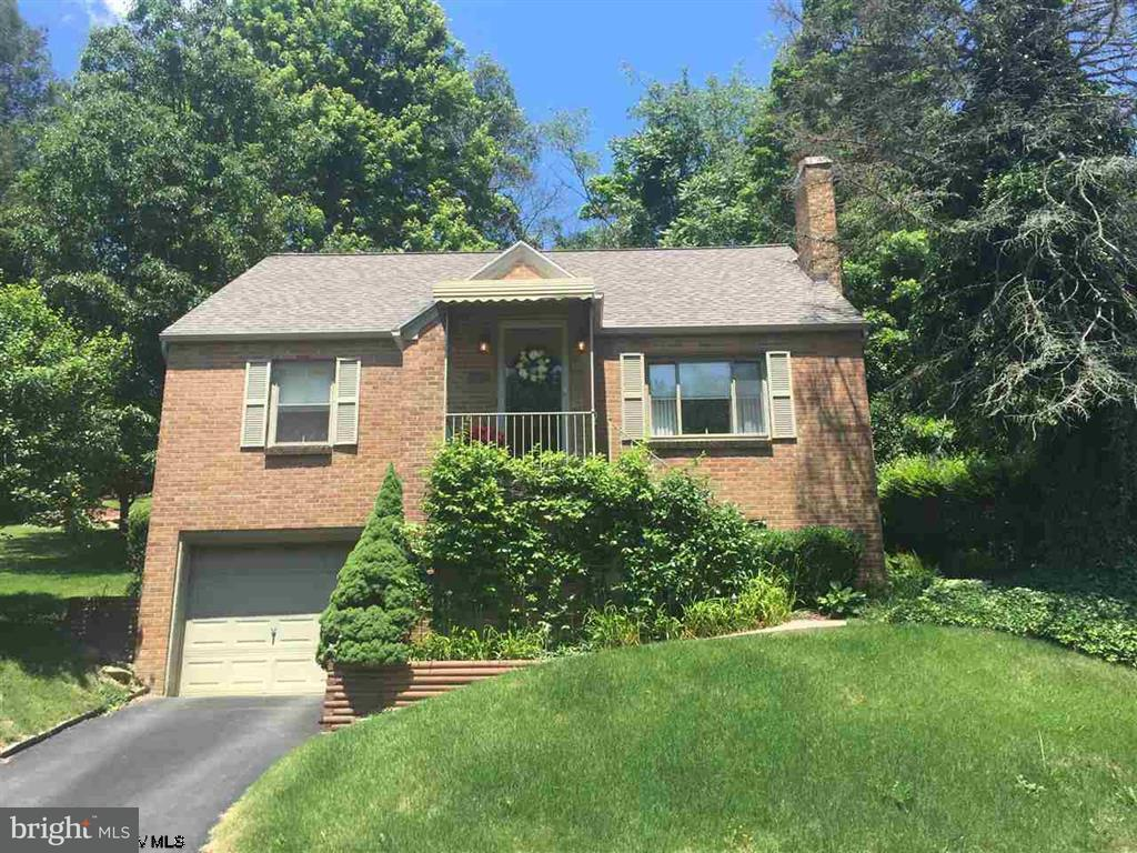 Single Family for Sale at 1107 Sunset Dr Fairmont, West Virginia 26554 United States