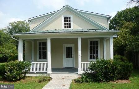 Vivienda unifamiliar por un Venta en 107 Walnut Street 107 Walnut Street Middleburg, Virginia 20117 Estados Unidos