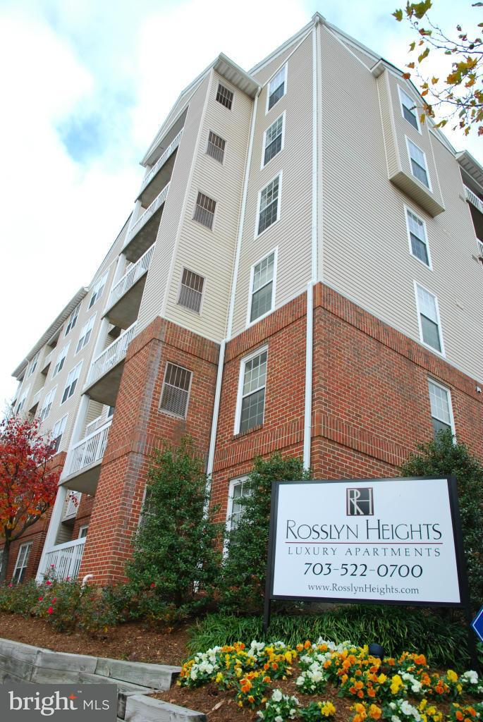 Other Residential for Rent at 1804 North Quinn St #001/1 Rosslyn, Virginia 22209 United States