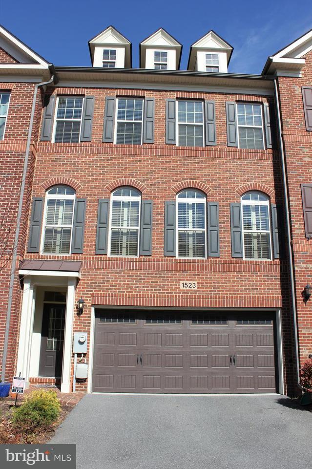 Таунхаус для того Продажа на 1523 Rabbit Hollow Place 1523 Rabbit Hollow Place Silver Spring, Мэриленд 20906 Соединенные Штаты