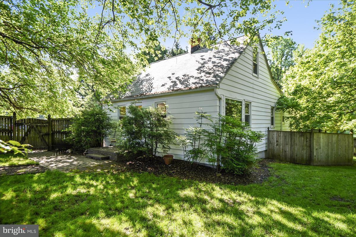 獨棟家庭住宅 為 出售 在 825 Mount Airy Road 825 Mount Airy Road Davidsonville, 馬里蘭州 21035 美國