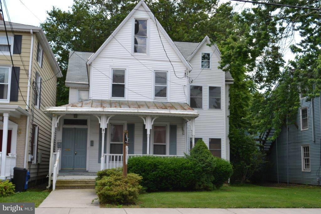 Commercial for Sale at 210 Main St E Elkton, Maryland 21921 United States
