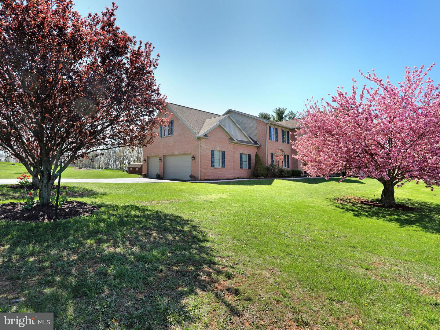 Single Family for Sale at 12805 Spickler Rd Clear Spring, Maryland 21722 United States