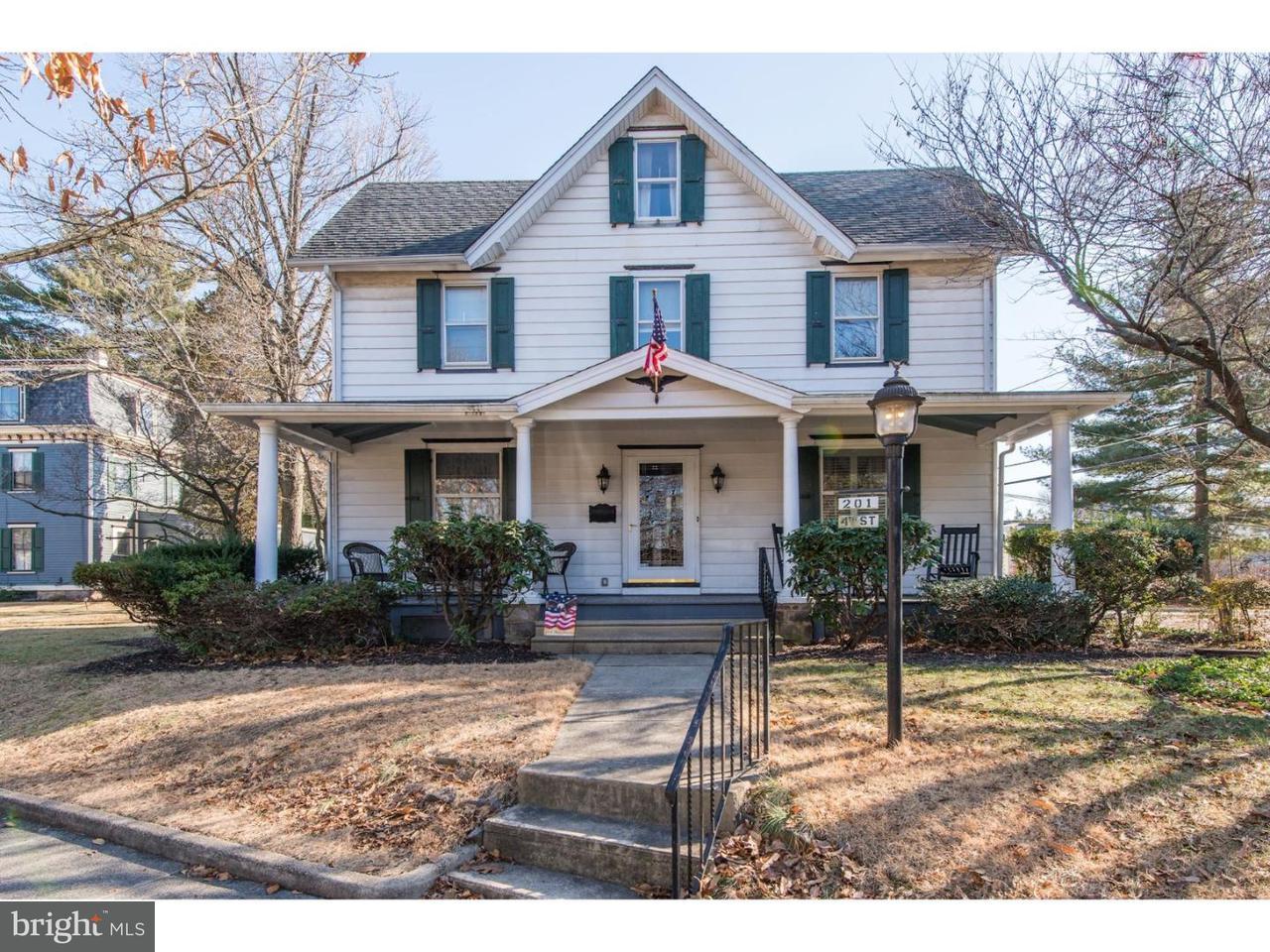 独户住宅 为 销售 在 201 4TH Street Riverton, 新泽西州 08077 美国