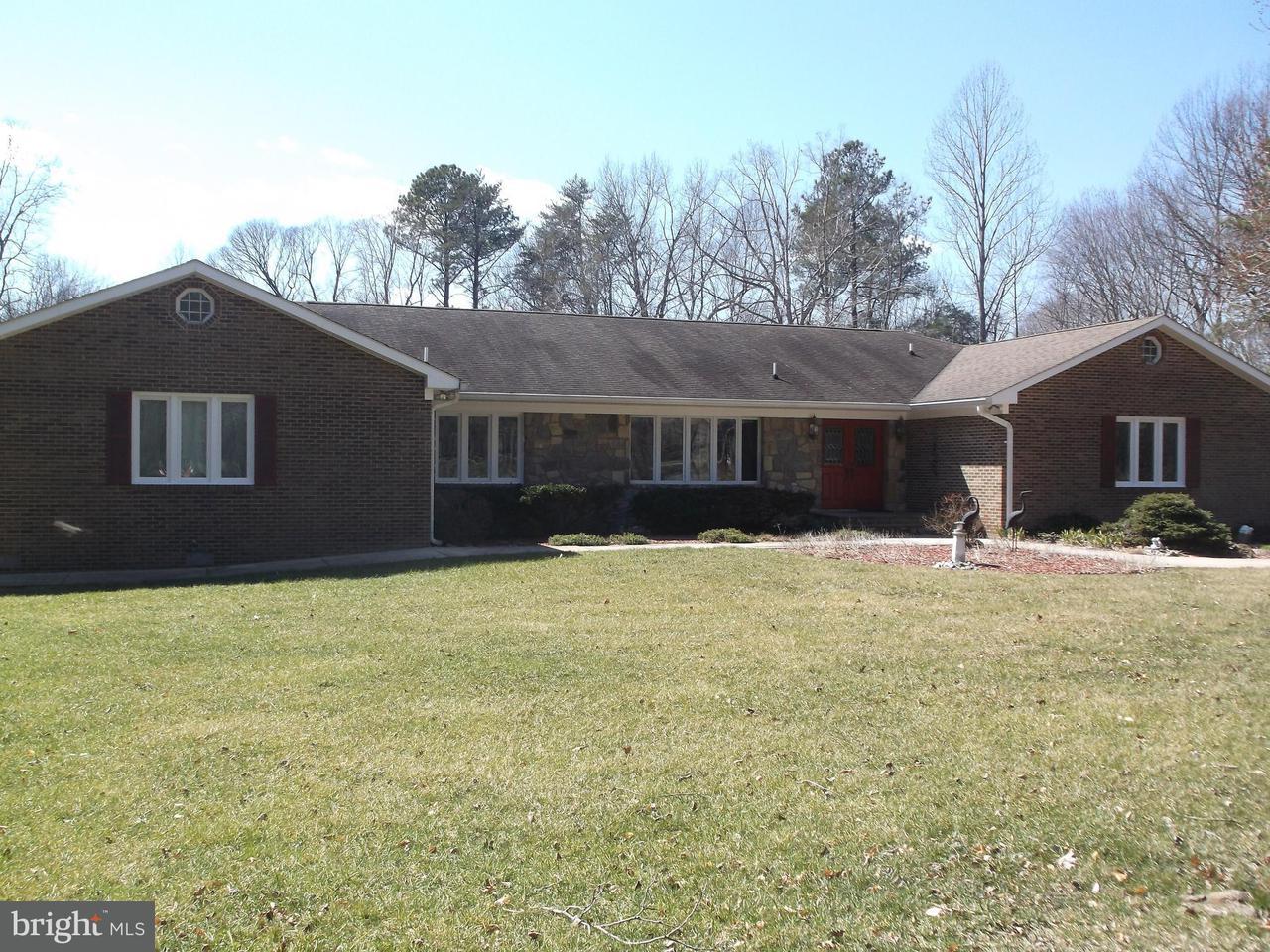 Maison unifamiliale pour l Vente à 7151 Bond Street 7151 Bond Street St. Leonard, Maryland 20685 États-Unis