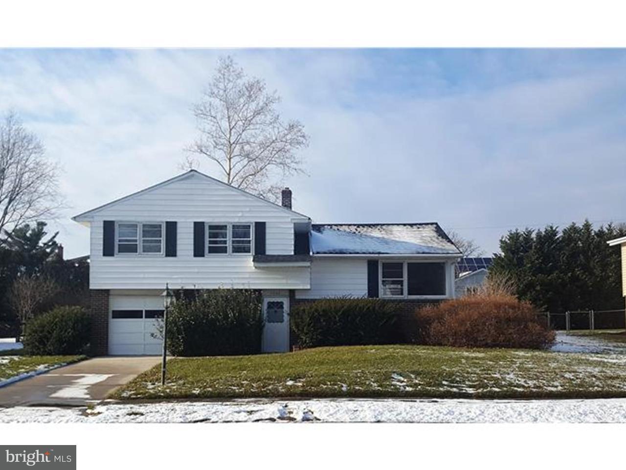 Частный односемейный дом для того Аренда на 1907 FLORAL Drive Wilmington, Делавэр 19810 Соединенные Штаты