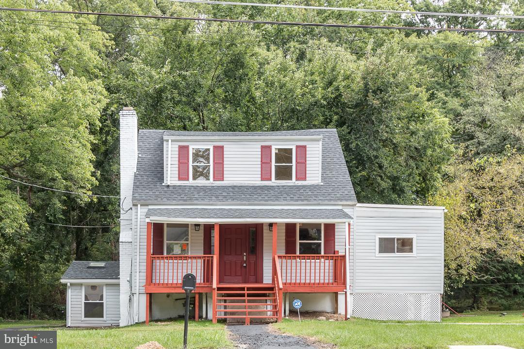 Single Family for Sale at 6810 Woodland Rd Morningside, Maryland 20746 United States