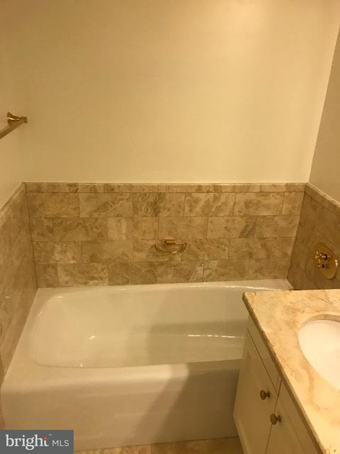 Additional photo for property listing at 1111 23rd St NW #7e  Washington, District Of Columbia 20037 United States