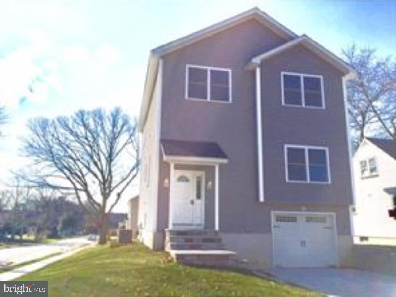 Maison unifamiliale pour l Vente à 65 ROOSEVELT Parlin, New Jersey 08859 États-Unis