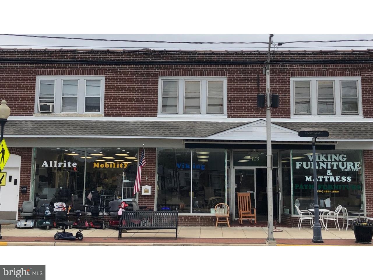 Maison unifamiliale pour l Vente à 123 E MAIN Street Maple Shade, New Jersey 08052 États-Unis