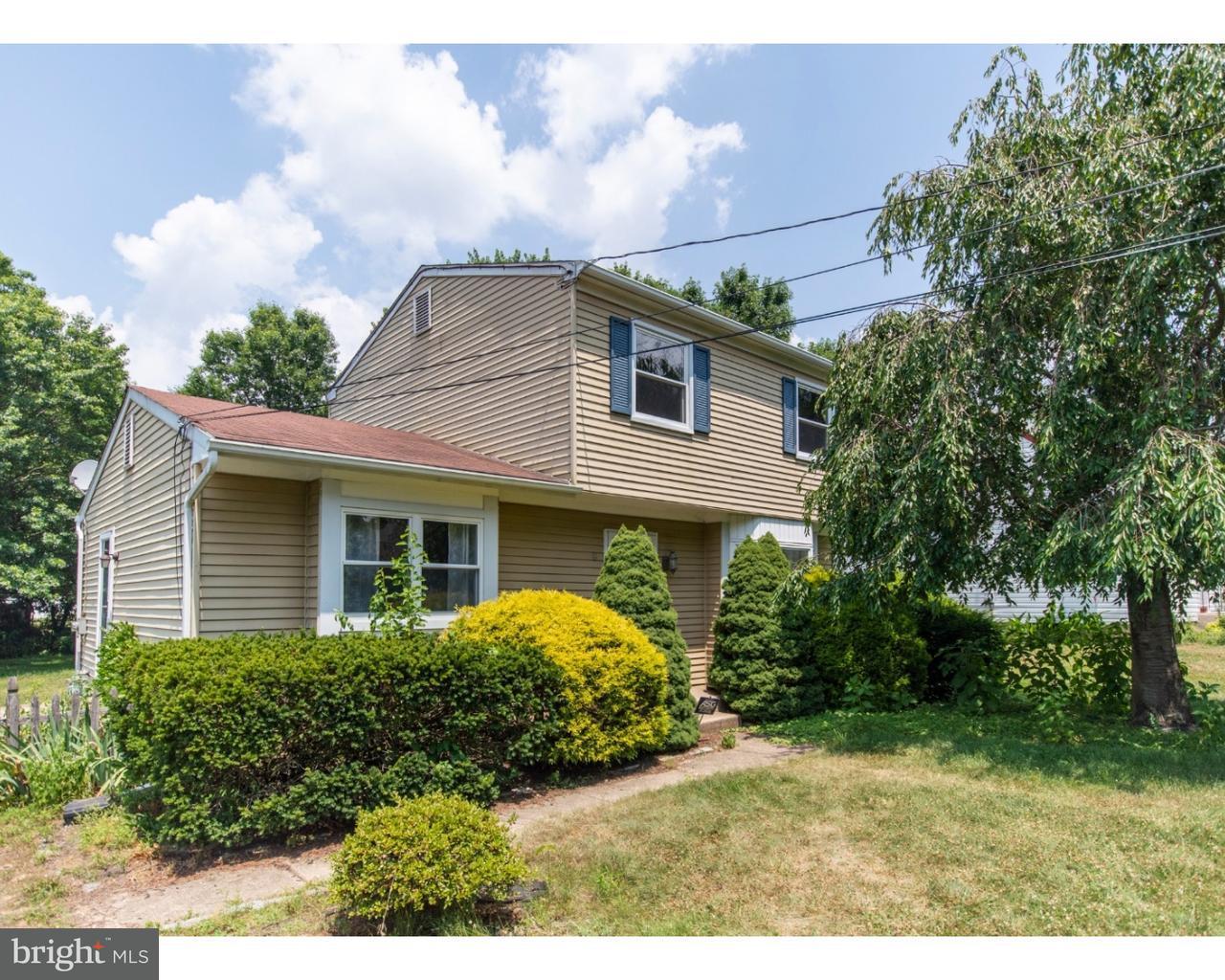Частный односемейный дом для того Продажа на 12 HOFFMAN Avenue Camden, Нью-Джерси 08003 Соединенные Штаты