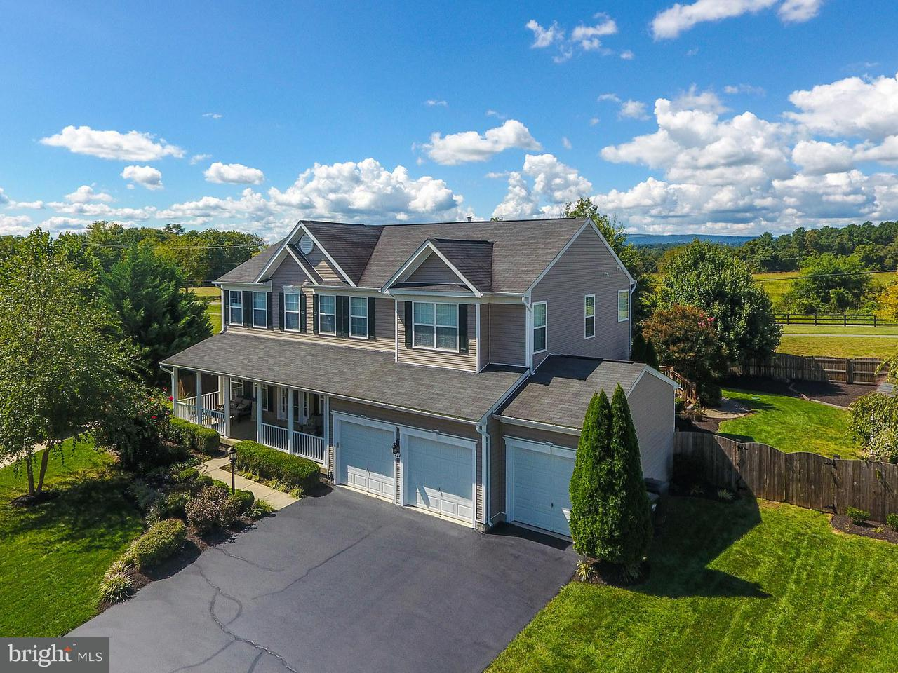 獨棟家庭住宅 為 出售 在 424 Falls Chapel Court 424 Falls Chapel Court Purcellville, 弗吉尼亞州 20132 美國