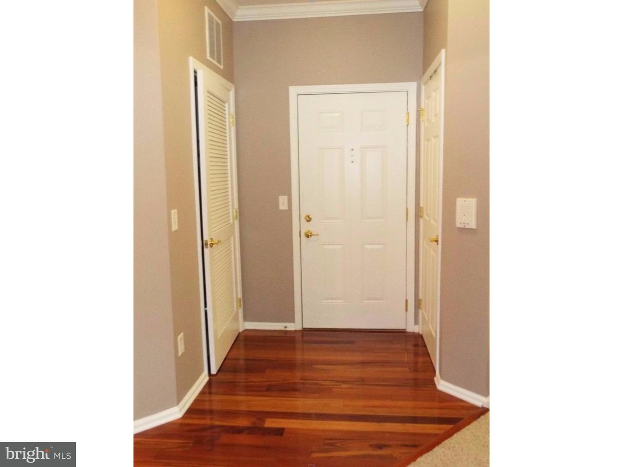 Casa Unifamiliar por un Alquiler en 1036 TIMBERLAKE Drive Ewing Township, Nueva Jersey 08830 Estados UnidosEn/Alrededor: Ewing Township