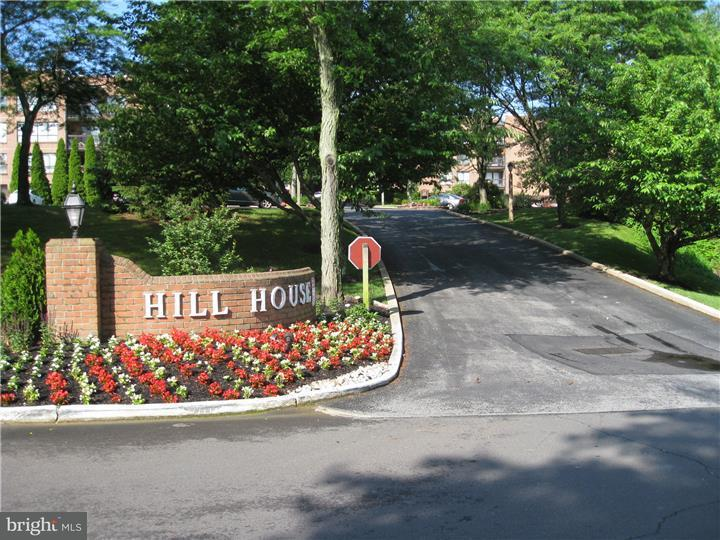 独户住宅 为 出租 在 1680 HUNTINGDON PIKE #112 亨廷顿谷, 宾夕法尼亚州 19006 美国
