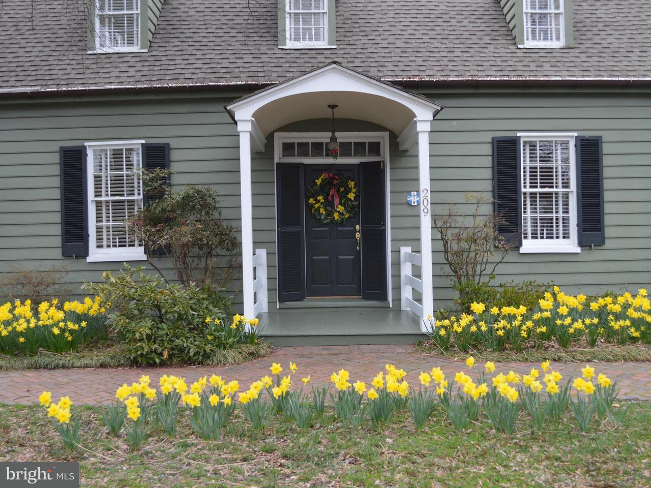 단독 가정 주택 용 매매 에 209 Mulberry Street 209 Mulberry Street St. Michaels, 메릴랜드 21663 미국