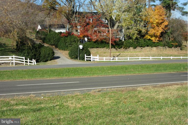 Farm for Sale at 13583 Lee Hwy Washington, Virginia 22747 United States