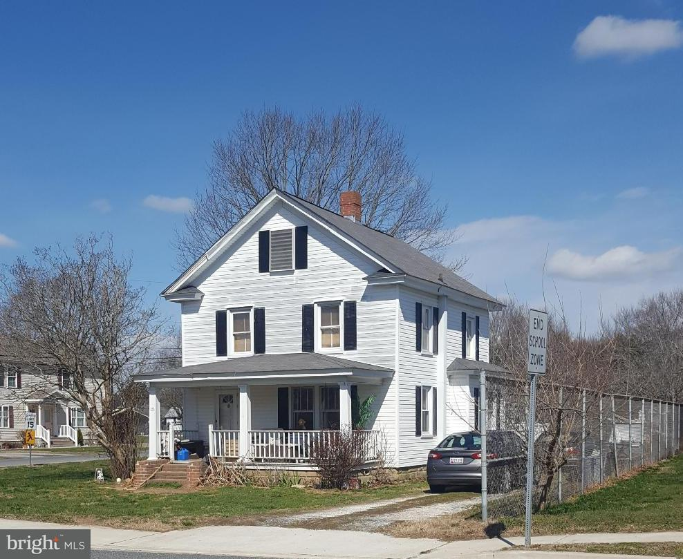 Single Family for Sale at 153 Main St Secretary, Maryland 21664 United States