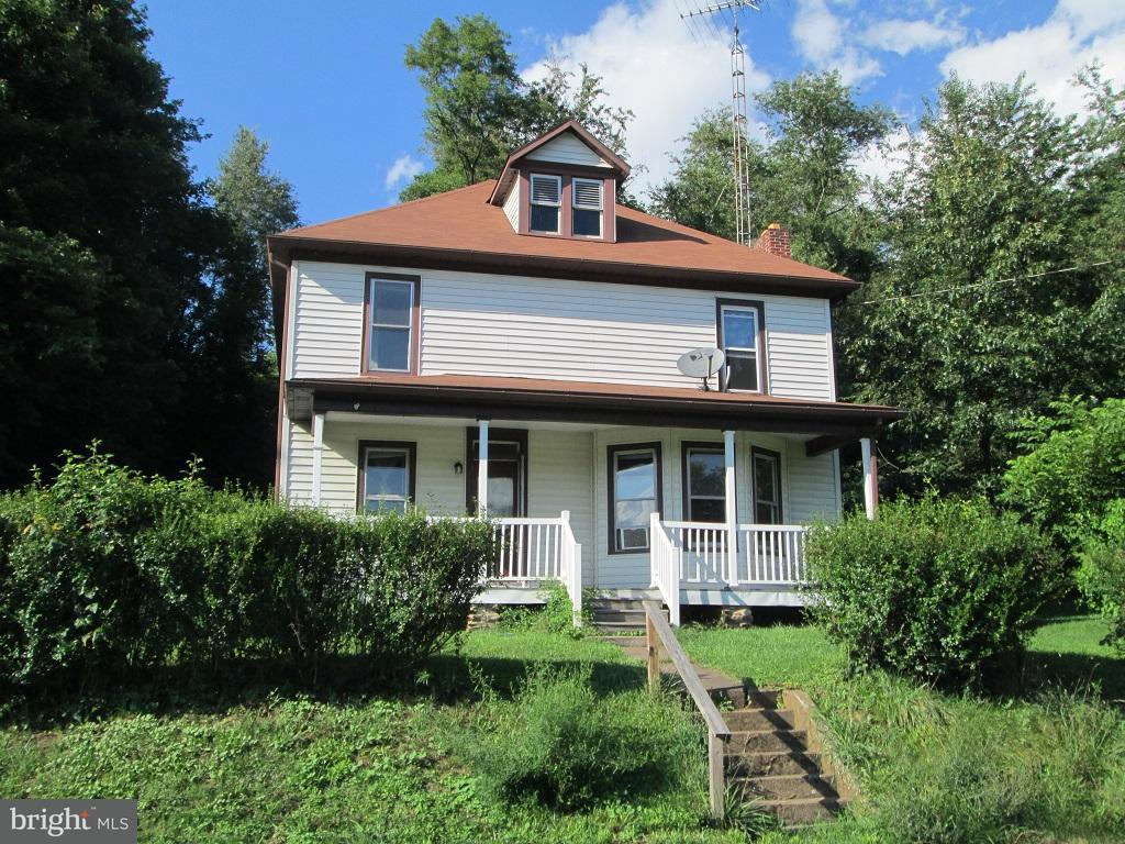Single Family for Sale at 621 Heckenluber Rd Biglerville, Pennsylvania 17307 United States