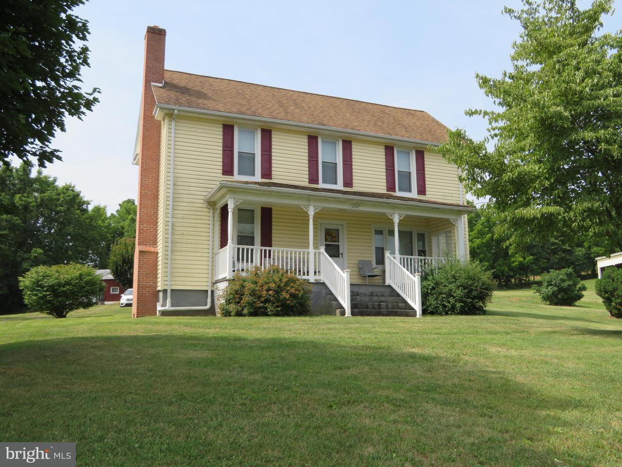 Granja por un Venta en 2347 Henshaw Road 2347 Henshaw Road Inwood, West Virginia 25428 Estados Unidos