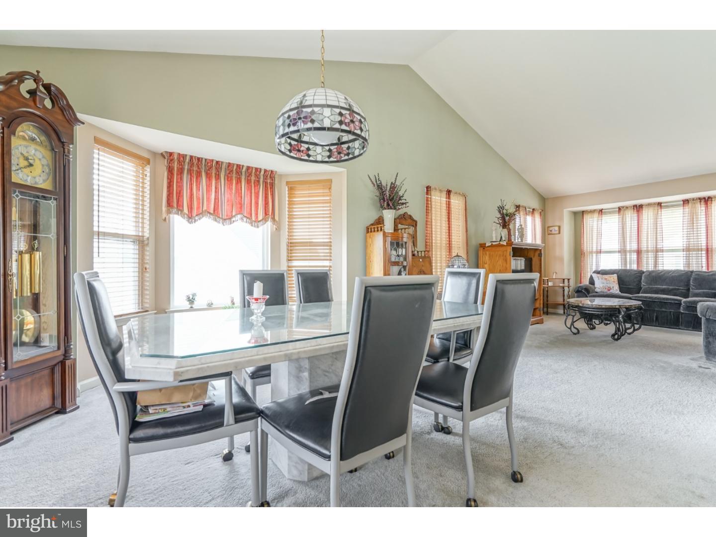 独户住宅 为 销售 在 102 WINDWARD Drive Mount Royal, 新泽西州 08061 美国