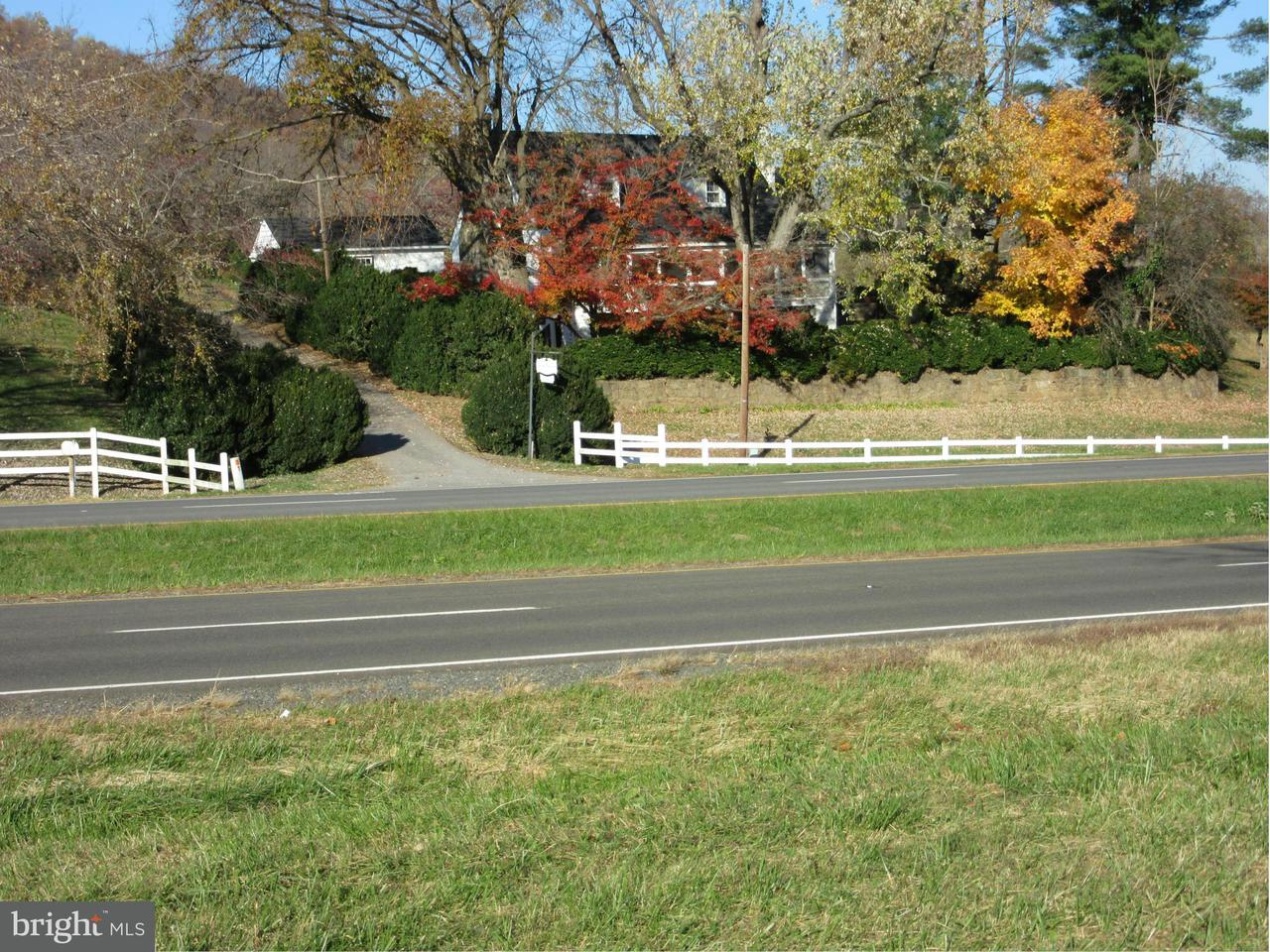 Single Family for Sale at 13583 Lee Hwy Washington, Virginia 22747 United States