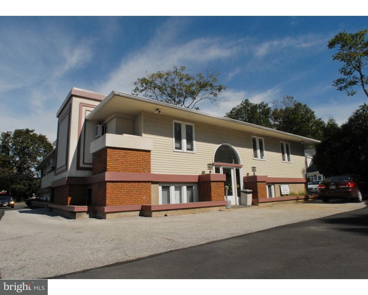 Частный односемейный дом для того Продажа на 2733 NOTTINGHAM WAY Trenton, Нью-Джерси 08619 Соединенные ШтатыВ/Около: Hamilton Township