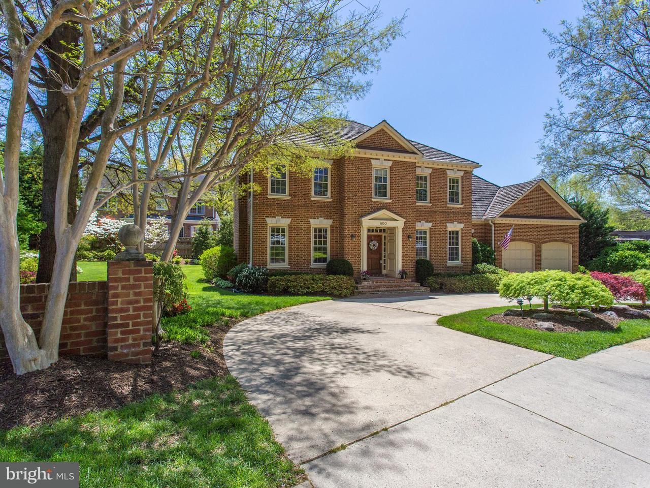 Single Family for Sale at 800 Hermitage Ct Alexandria, Virginia 22302 United States
