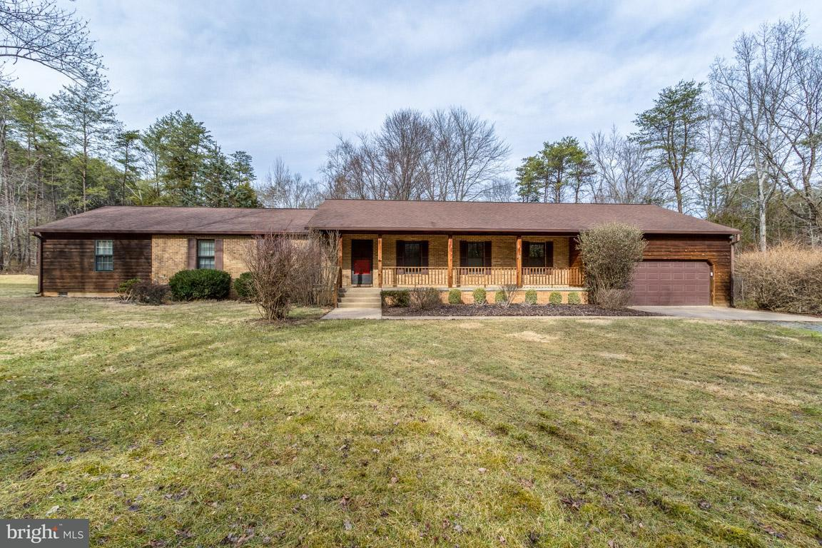 Single Family Home for Sale at 3110 Eagle Nest Drive 3110 Eagle Nest Drive Catlett, Virginia 20119 United States