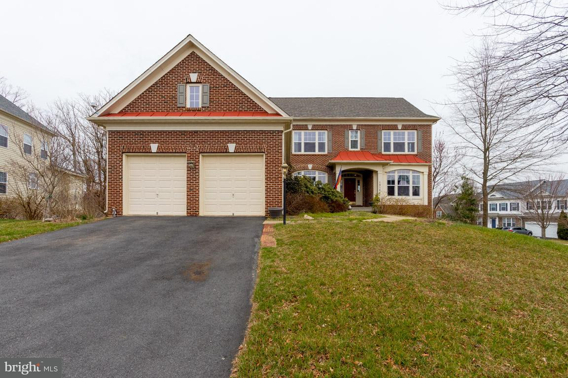 獨棟家庭住宅 為 出售 在 19141 Potomac Crest Drive 19141 Potomac Crest Drive Triangle, 弗吉尼亞州 22172 美國