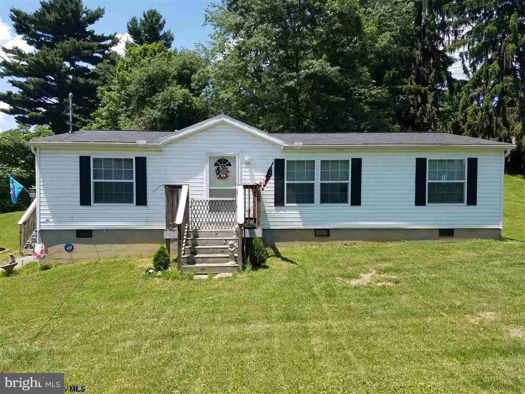 Single Family for Sale at 100 Sisler St Kingwood, West Virginia 26537 United States