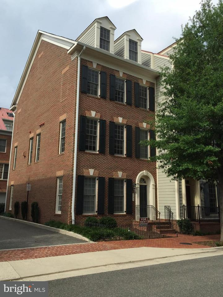 Single Family for Sale at 721 Bracey Ln Alexandria, Virginia 22314 United States