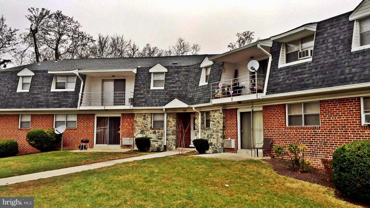 Other Residential for Rent at 909 Cooks Ln Baltimore, Maryland 21229 United States
