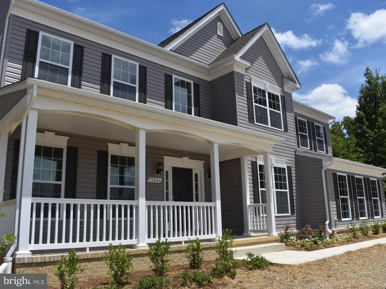 Частный односемейный дом для того Продажа на 13861 Bluestone Court 13861 Bluestone Court Hughesville, Мэриленд 20637 Соединенные Штаты