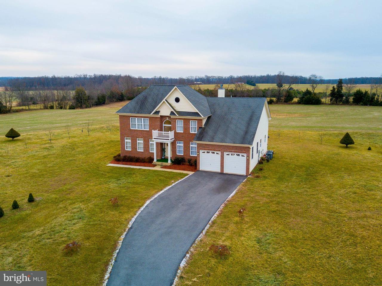 Частный односемейный дом для того Продажа на 11755 Taneytown Pike 11755 Taneytown Pike Taneytown, Мэриленд 21787 Соединенные Штаты