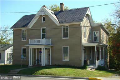 Condominium for Rent at 323 Church St Woodstock, Virginia 22664 United States